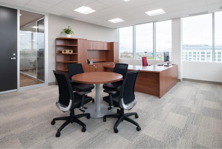 Artopex Take Off bureau et chaises Blitz - Excelitas